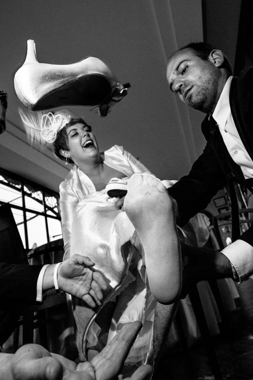 "La imagen de la semana: ""Losing the wedding shoe"" de Cesc Giralt ""Patxiwan"""