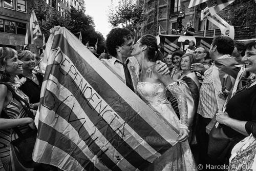 """La imagen de la semana: """"Ana y Tito - Independència. Sí, vull - Barcelona"""" de Marcelo Aurelio"""